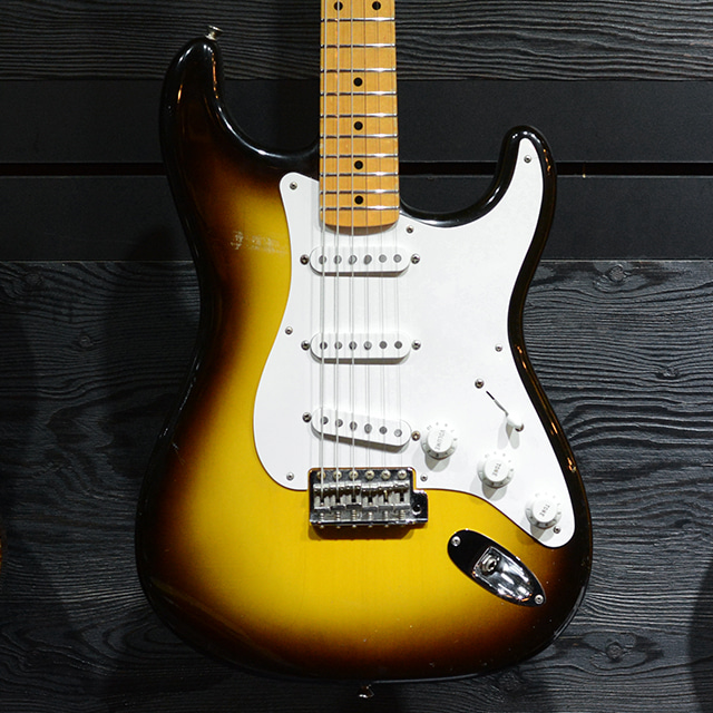 [중고] Fender Custom Shop Limited Edition 1957 Stratocaster Sunburst NOS 2014'