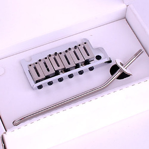 Fender - Original Tremolo Bridge (Standard) (099-2050-000)